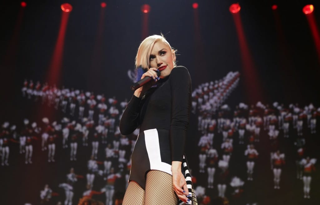 Gwen Stefani Used To Love You Live 2015