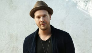 """Gavin DeGraw Shares New Single, """"She Sets The City On Fire"""""""