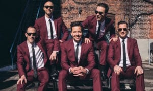 """Simple Plan Celebrates Season With New Song, """"Christmas Every Day"""""""