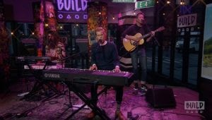 """Andrew McMahon In The Wilderness Performs New Song, """"Paper Rain"""""""