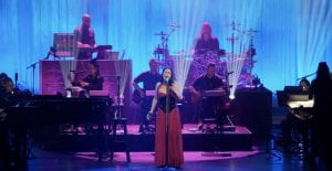 """See """"Hi-Lo"""" Performance From Evanescence's Upcoming 'Synthesis Live'"""
