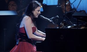 """See """"Lithium"""" Performance From Evanescence's 'Synthesis Live' DVD"""