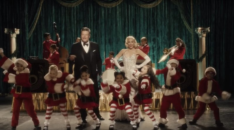 Gwen Stefani & Blake Shelton - You Make It Feel Like Christmas