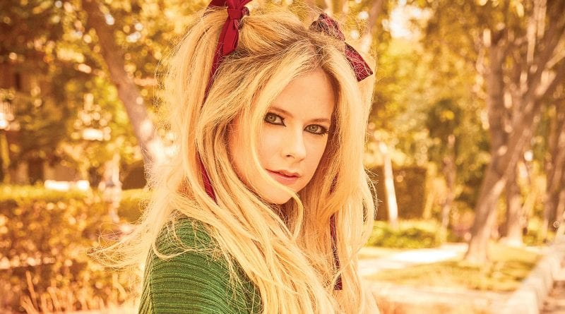Avril Lavigne Nicki Minaj Dumb Blonde