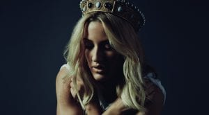 "Hear Ellie Goulding's 'Game Of Thrones' Song, ""Hollow Crown"""