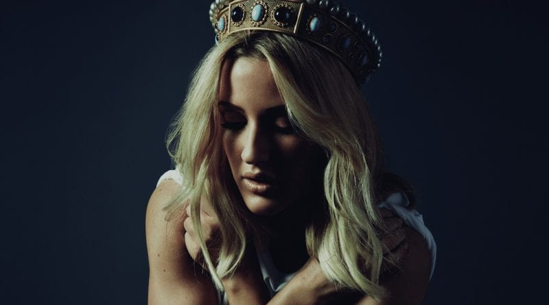 Ellie Goulding 2016 - Hollow Crown GoT